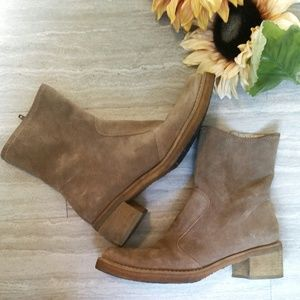 Kenneth Cole New York Suede Booties - SZ 6.5